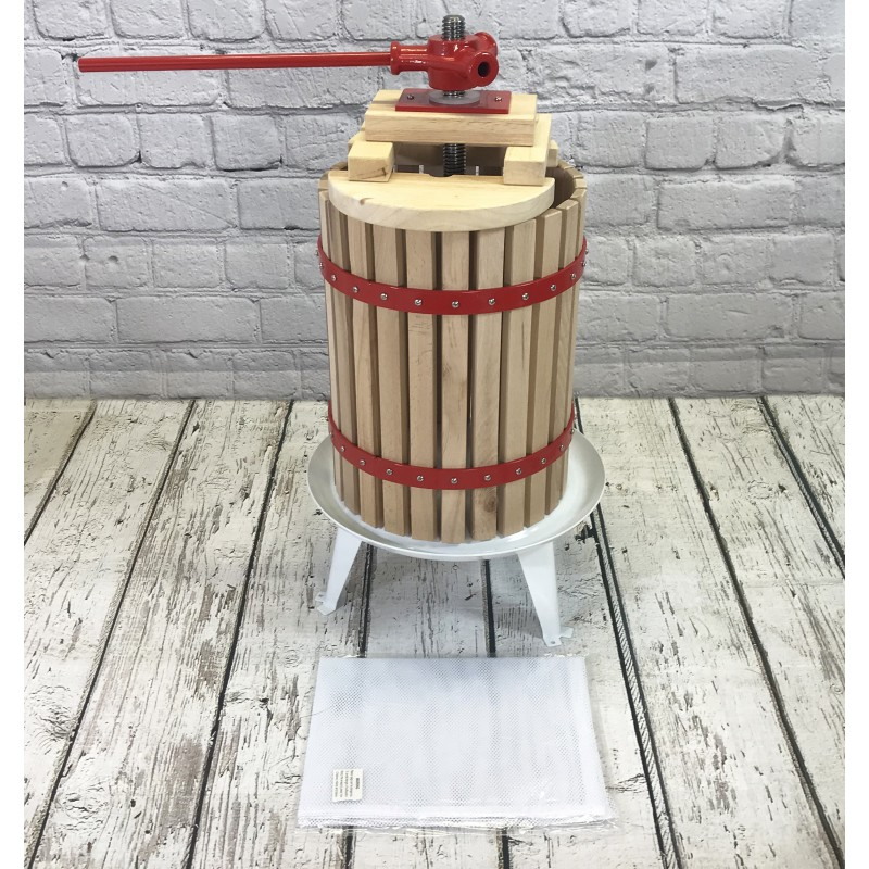 Traditional Fruit and Apple Press (18 Litre) with Straining Bag