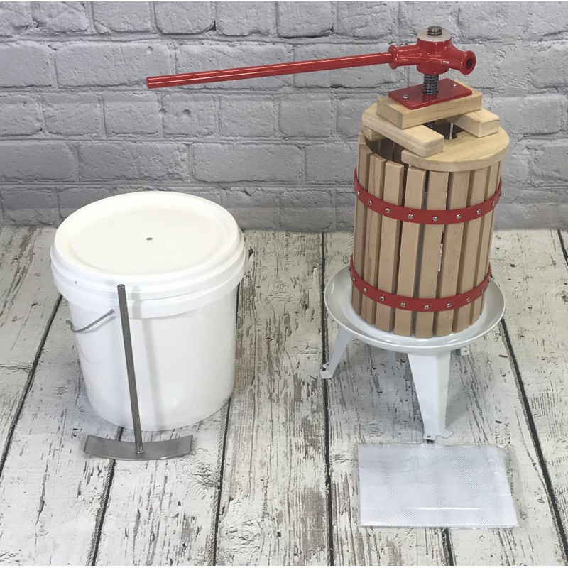 Traditional Fruit and Apple Press (6 Litre) with Straining Bag and Pulping Bucket