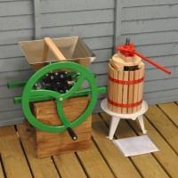 Manual Apple Scratter Pulper Pomace and Traditional Fruit and Apple Press (6 Litre) with Straining Bag