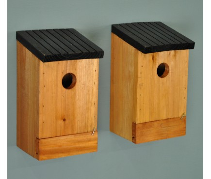 Set of 2 Traditional Wooden Bird Nest Boxes with Removable Bases for Cleaning