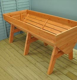 Wooden & Plastic Raised Beds
