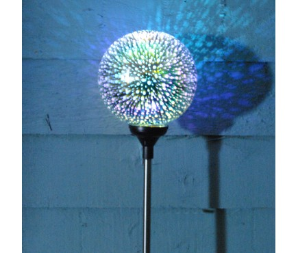 Solar 3D Cosmos Stake Light by Smart Solar