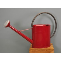 Watering Can in Burgundy Red (10 Litres) by Gardman
