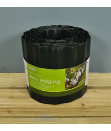 Green Plastic Lawn Edging Roll (16.5cm x 9m) by Gardman