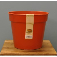 Round Plastic 23cm Plant Pot by Kingfisher