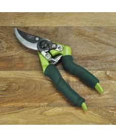 Soft Grip Bypass Secateurs by Gardman