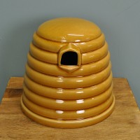 Ceramic Bumble Bee Skep Nester