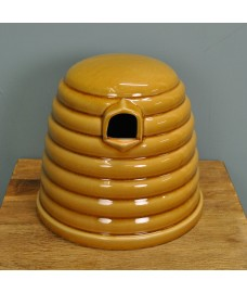 Ceramic Bumble Bee Skep Nester by Wildlife World