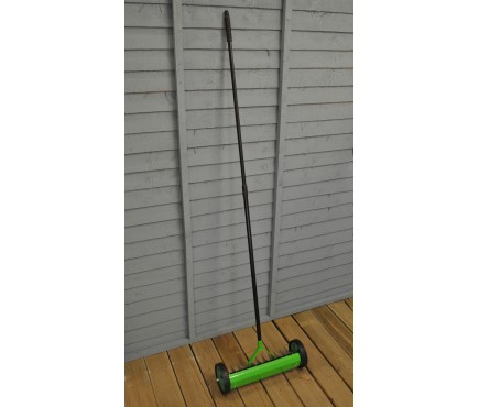 Garden Lawn Scarifier Aerator Rake with Telescopic Handle